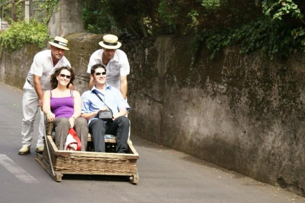 Korbschlitten Fahrt auf Madeira